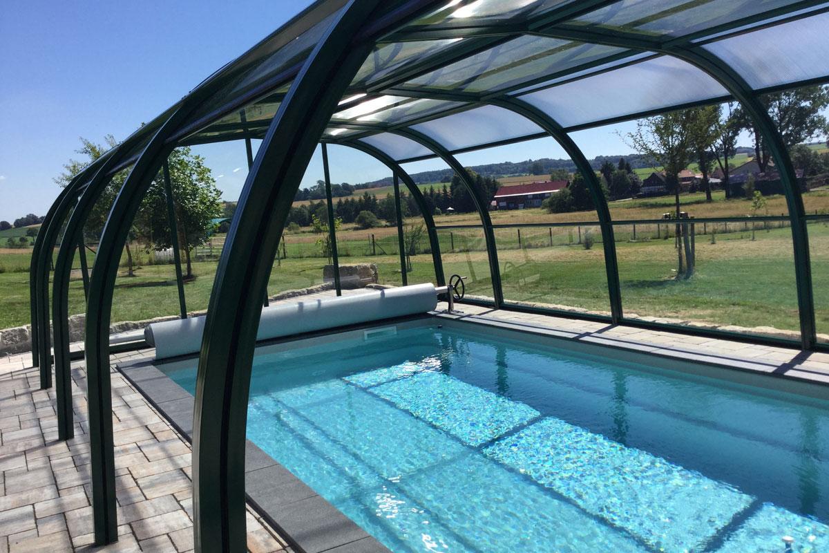 GFK-Pool mit Überdachung